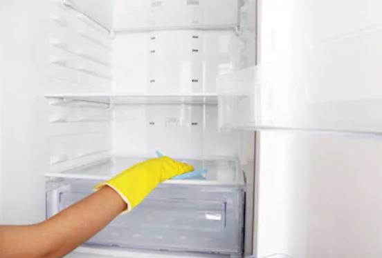 القضاء علي رائحة الثلاجة